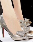 Βραδινή γόβα-νυφικό παπούτσι